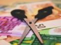 Lainaa 400 euroa: Vertaa ja leikkaa kulut kahtia.