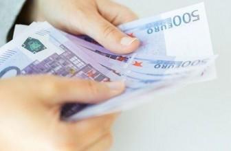 Lainaa tekstiviestillä on helppo tapa nostaa rahaa tilille.